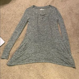 Gray long sleeve top